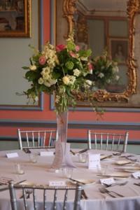 Viburnum, ivy, roses and lisianthus,